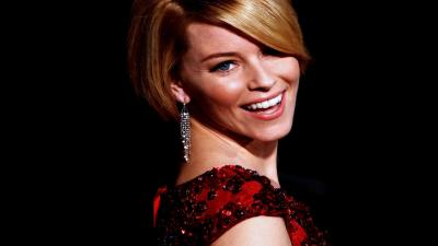 Elizabeth Banks Smile Wallpaper 53606