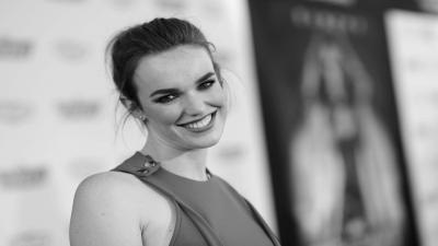 Monochrome Elizabeth Henstridge Wide Wallpaper 57211
