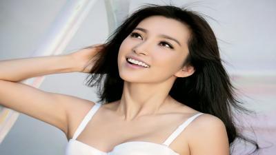 Yang Mi Smile Wallpaper 52822