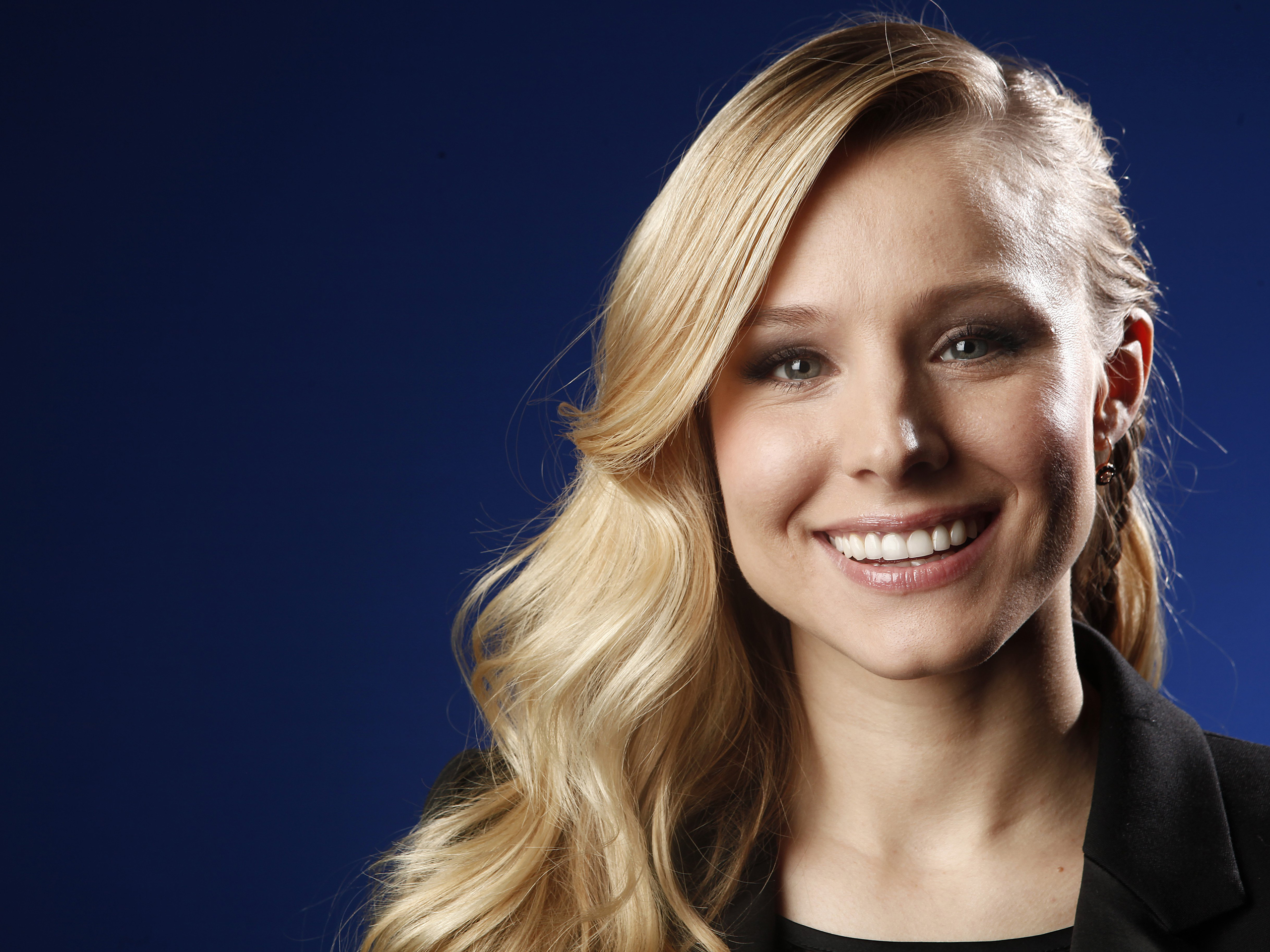 kristen bell smile wallpaper 51205