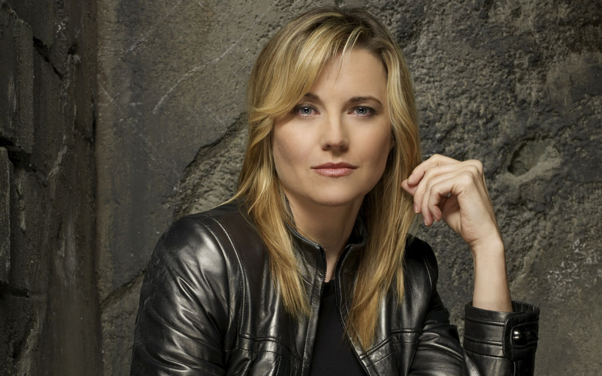 lucy lawless desktop wallpaper 58623