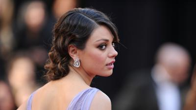 Mila Kunis Celebrity Wallpaper Background 51802