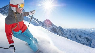 Skiing Girl Wallpaper Background 53316