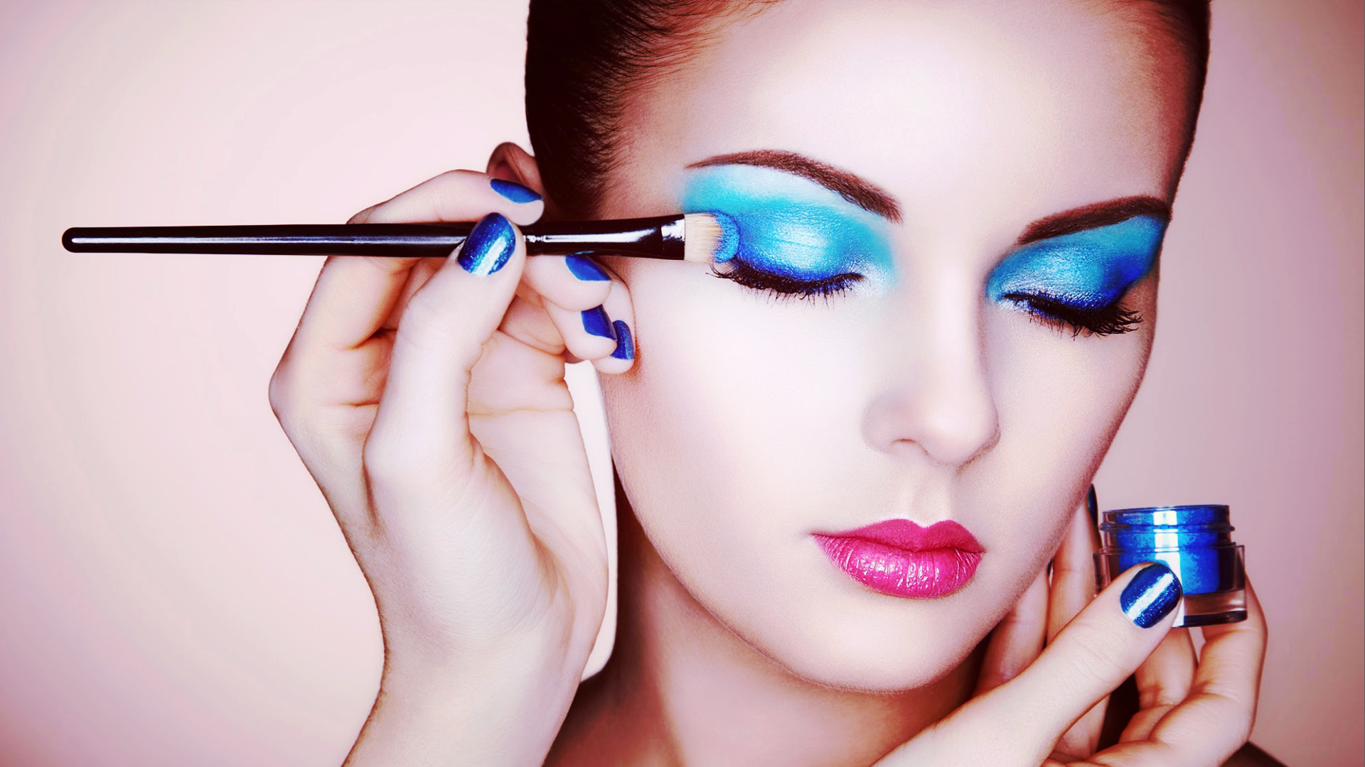 blue eye makeup wallpaper 59560