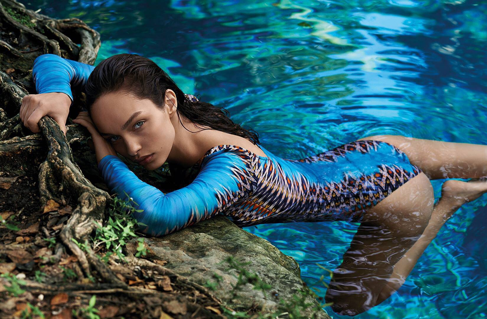 luma grothe bathing suit wallpaper 59919