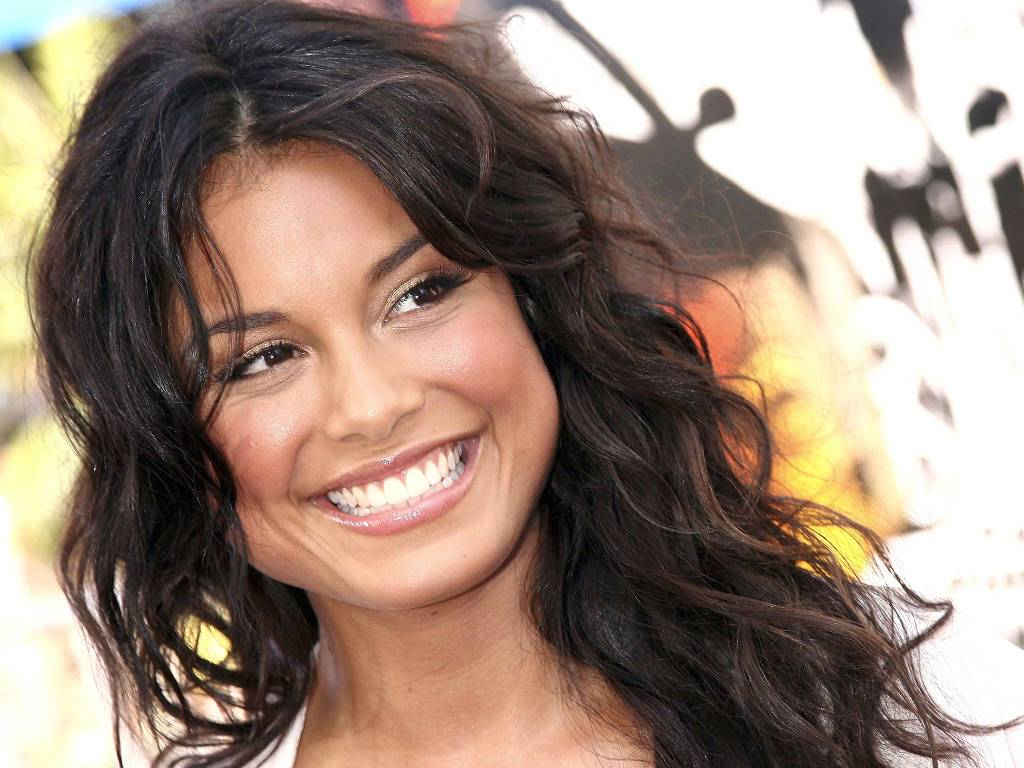 Nathalie kelley smile wallpaper 59370 1024x768 px hdwallsource nathalie kelley smile wallpaper 59370 voltagebd Images