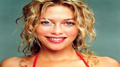 Amanda Detmer Smile Computer Wallpaper 61340