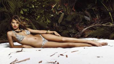 Hot Bregje Heinen Bathing Suit Wallpaper 59891
