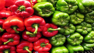 Red and Green Peppers Wallpaper Background 62168