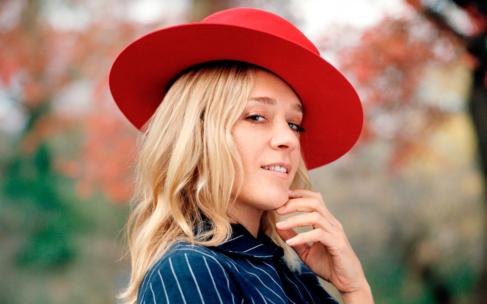 chloe sevigny red hat wallpaper 61536