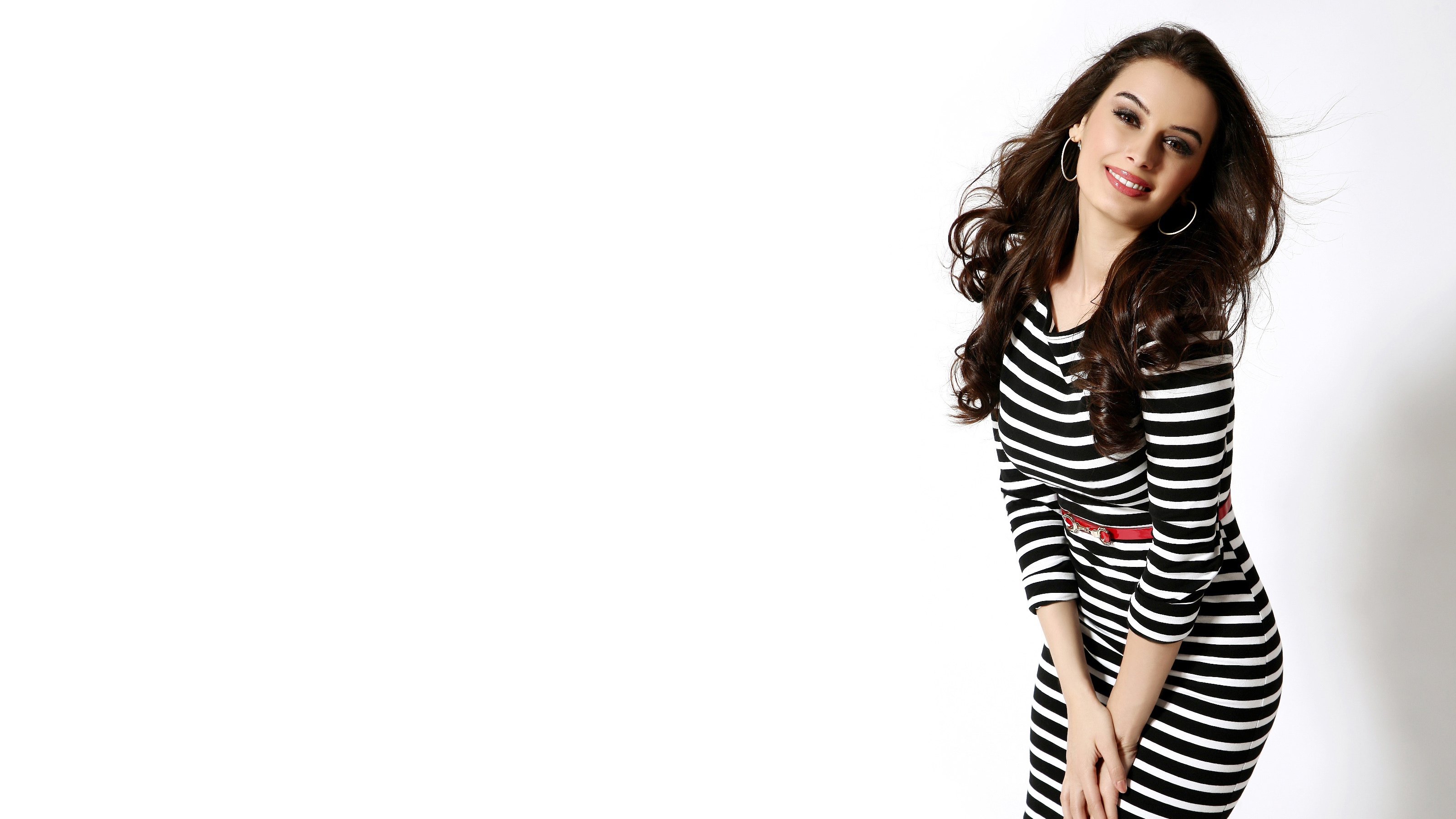 evelyn sharma wide wallpaper 60207