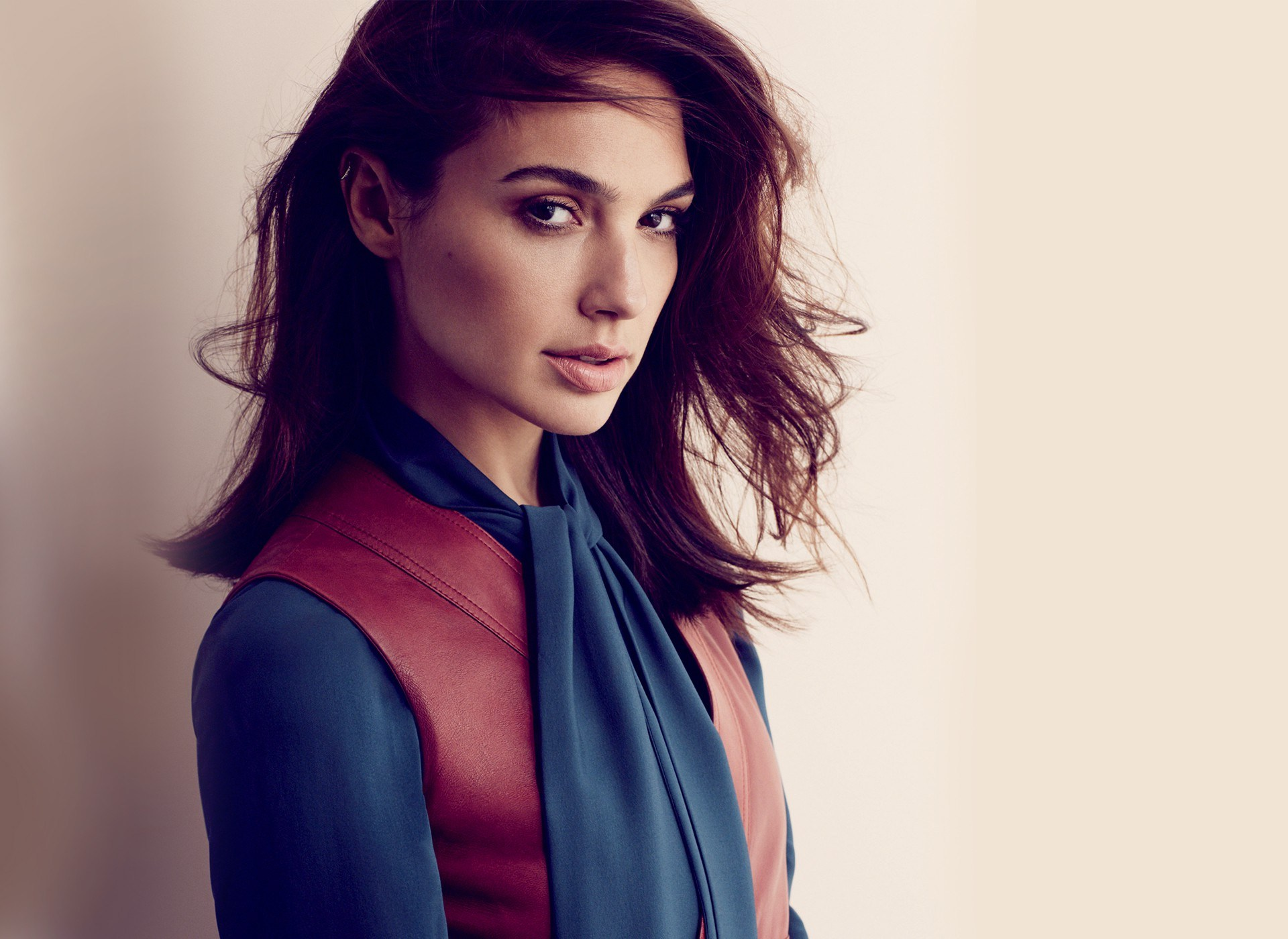 gal gadot celebrity computer wallpaper 62105