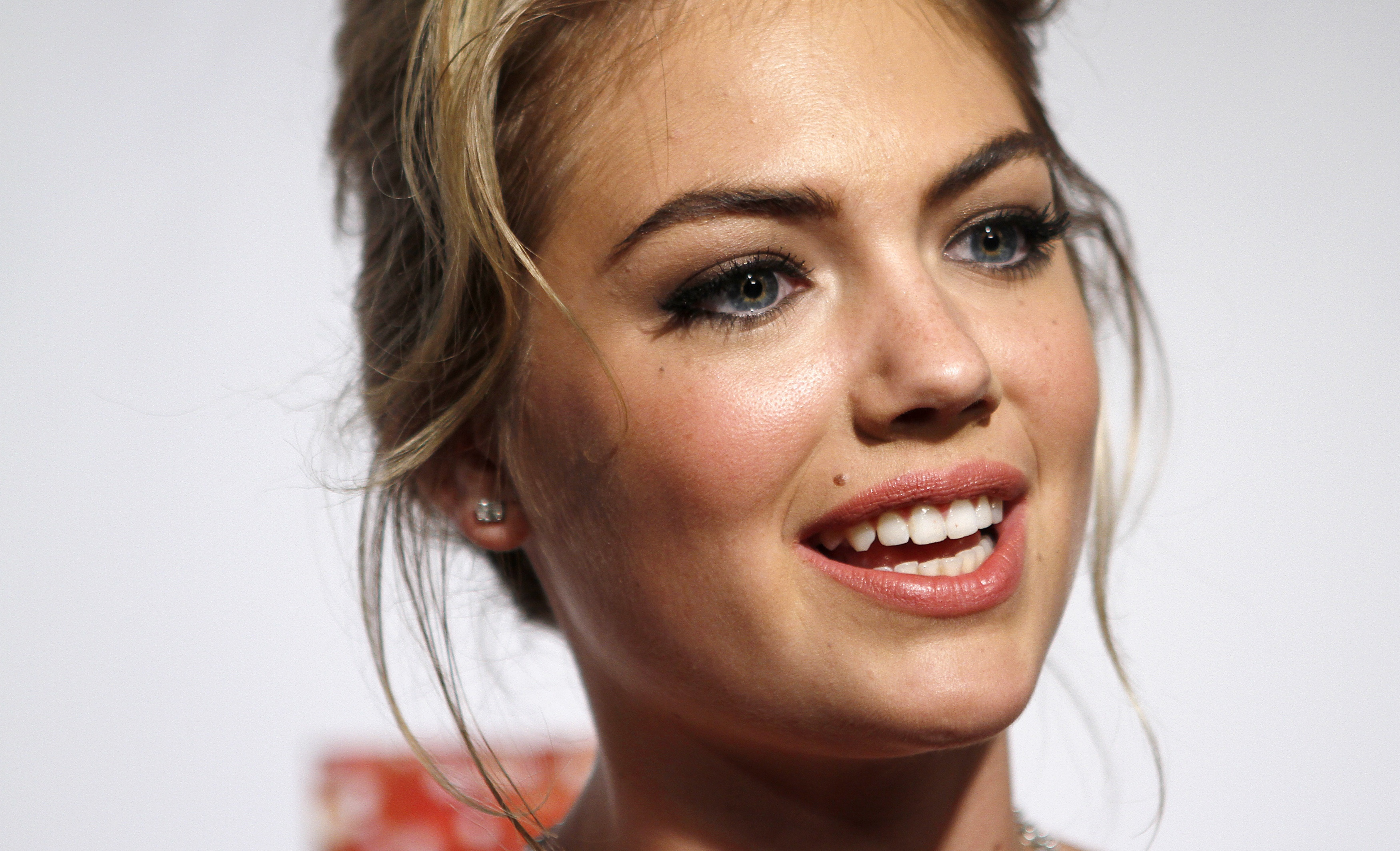 kate upton face hd wallpaper 60215 3500x2127px