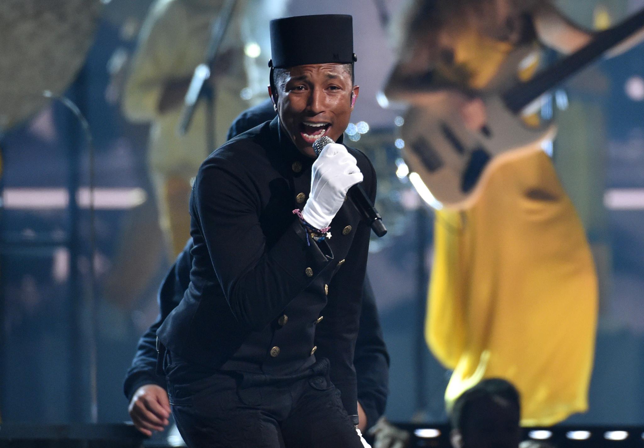 pharrell williams performing wallpaper 60978