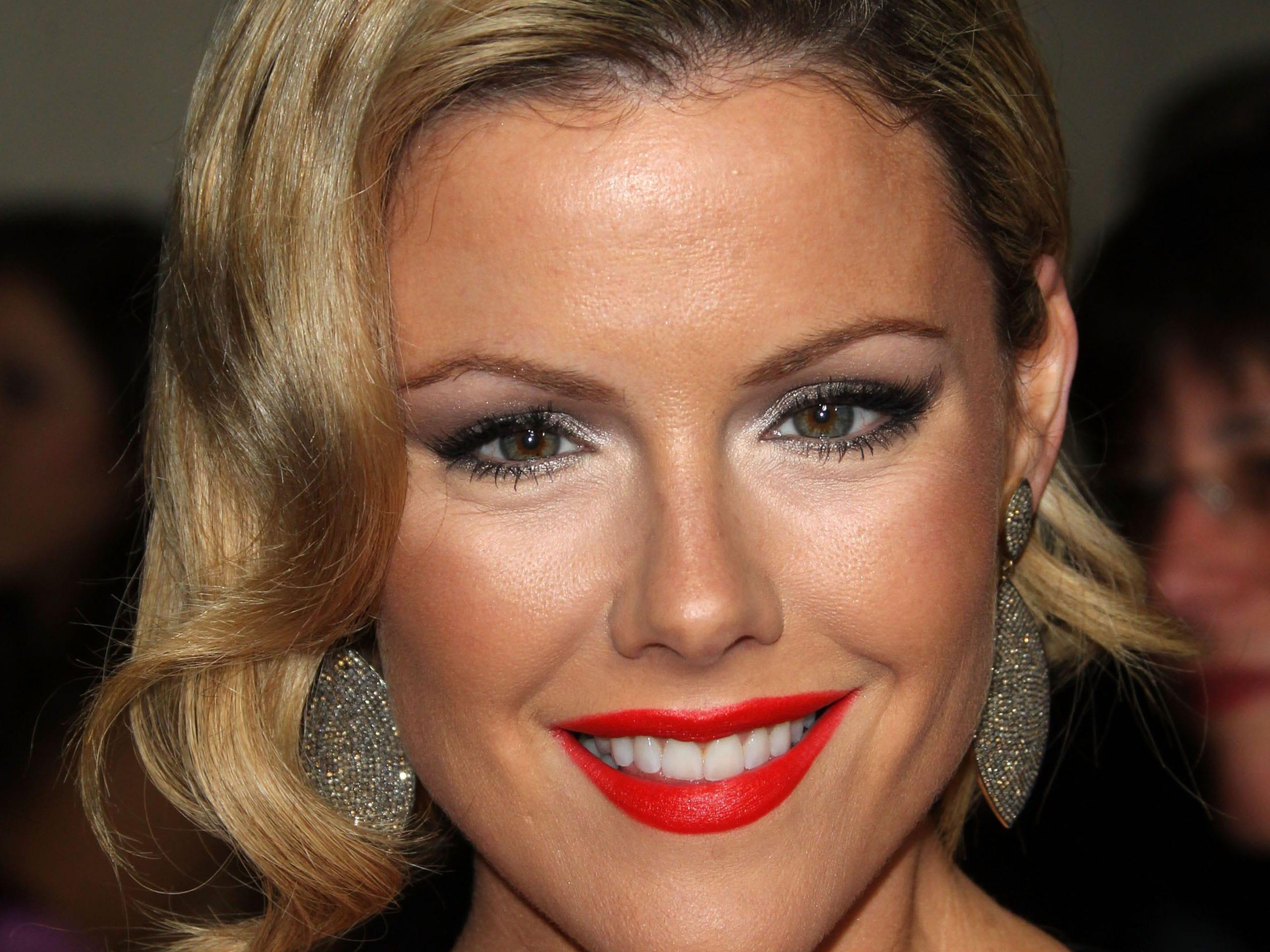 kathleen robertson face makeup wallpaper 60644