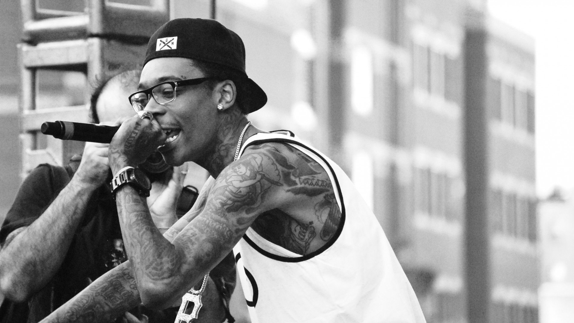 Monochrome Wiz Khalifa Performing Wallpaper 59062 ...