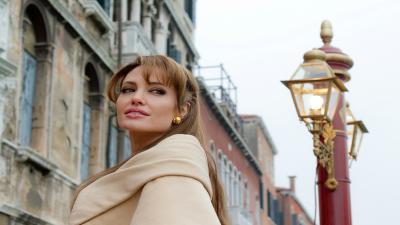 Beautiful Angelina Jolie Actress Wallpaper Background HD 62162