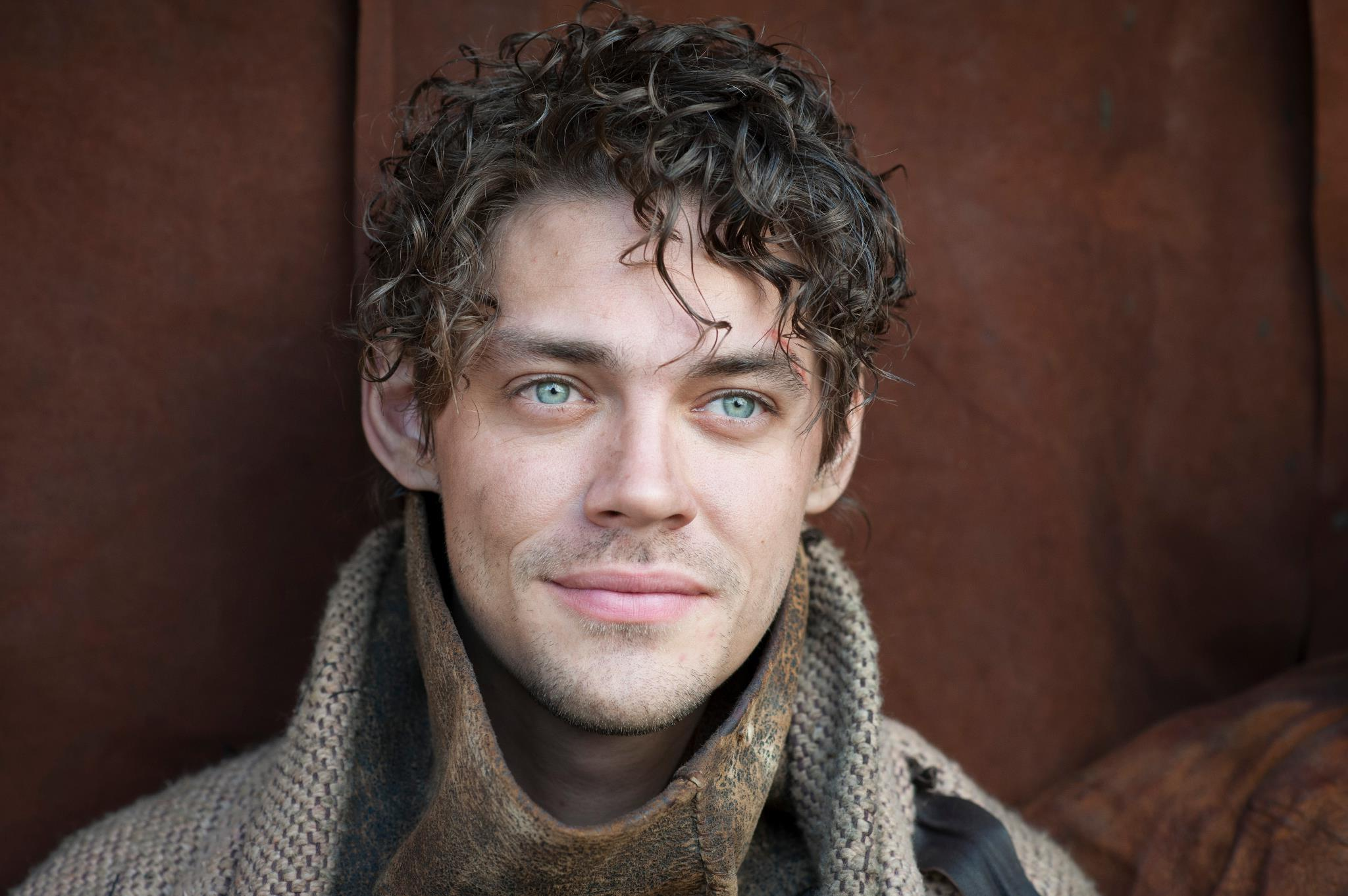 tom payne actor hd wallpaper 60176