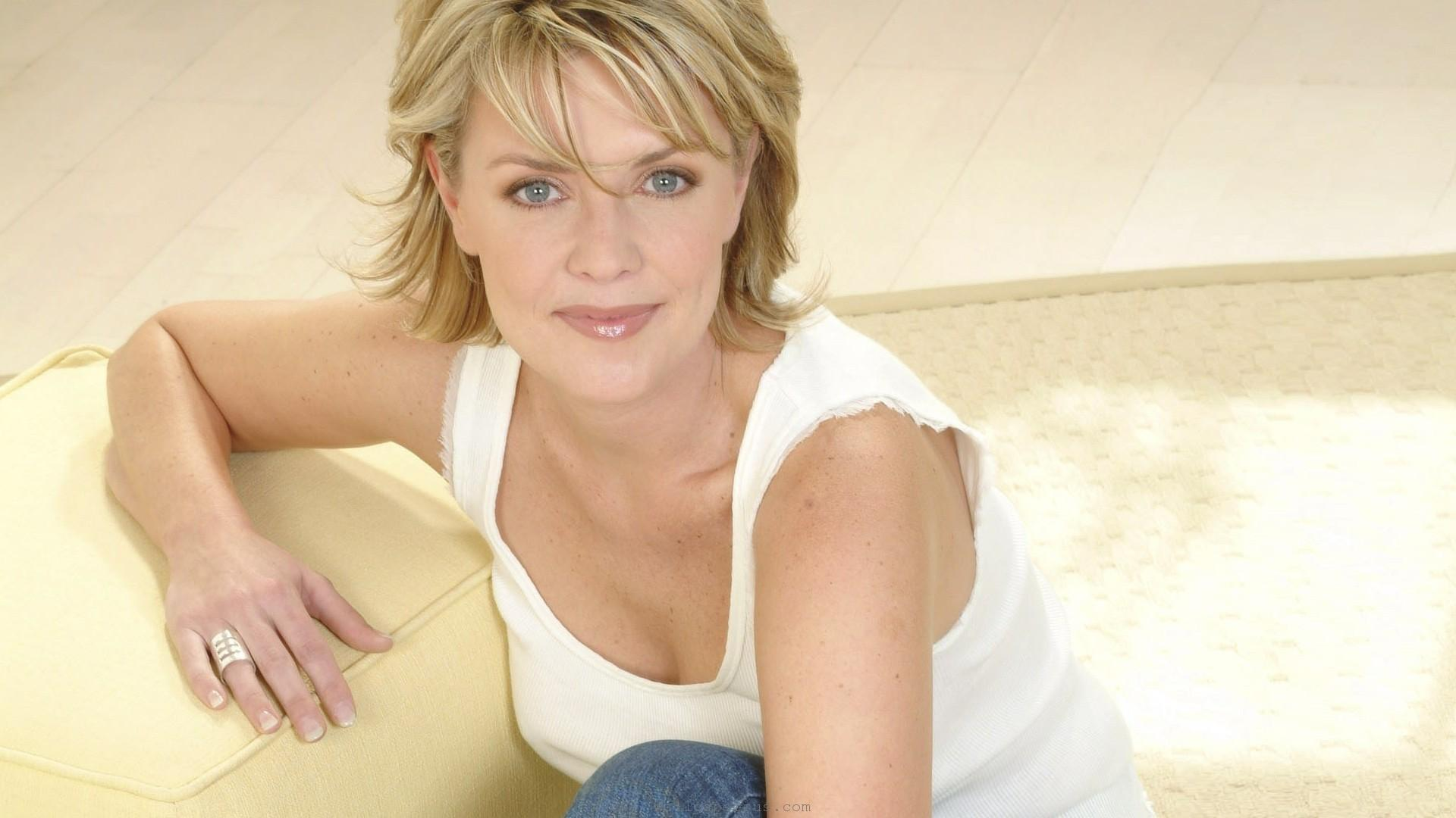 amanda tapping actress wallpaper 61193