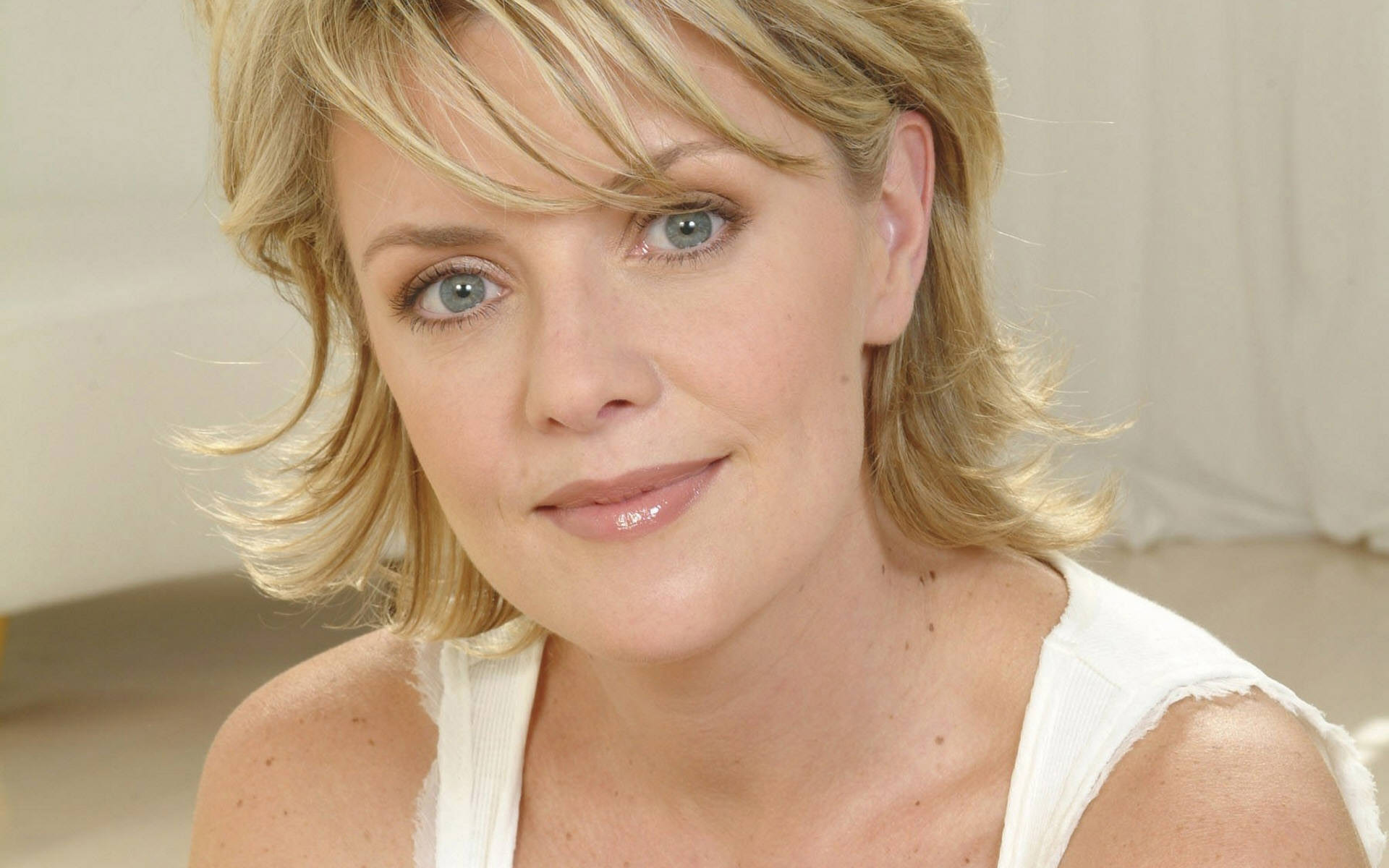 amanda tapping face wallpaper 61194