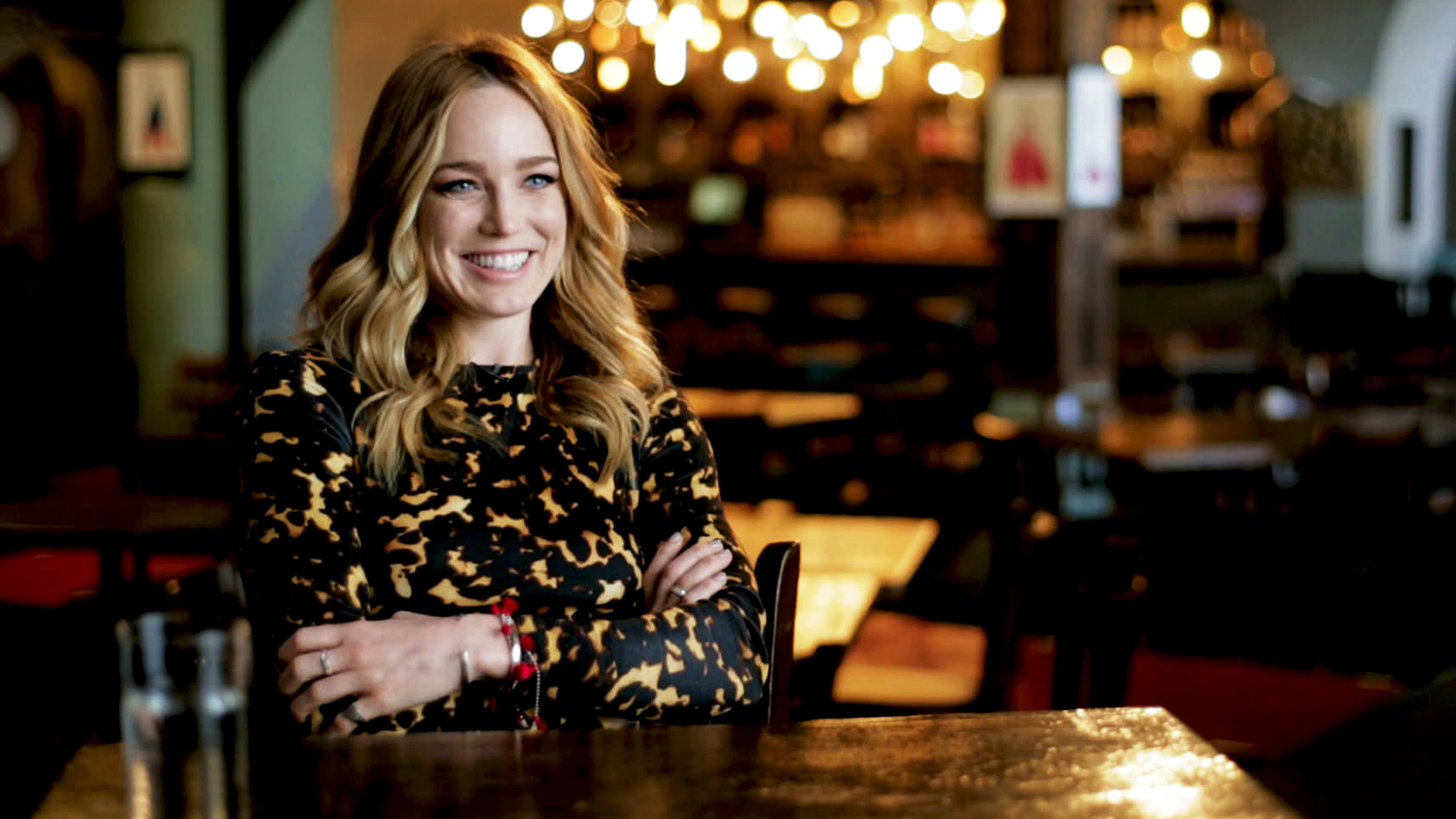 caity lotz smile hd wallpaper 62242