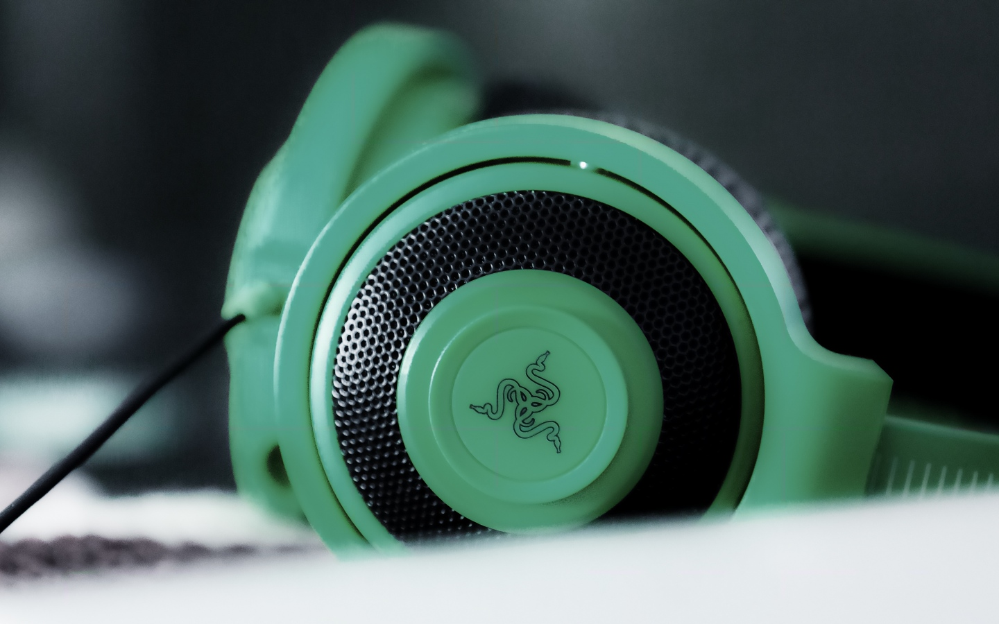 green razer headphones wallpaper pictures 60262
