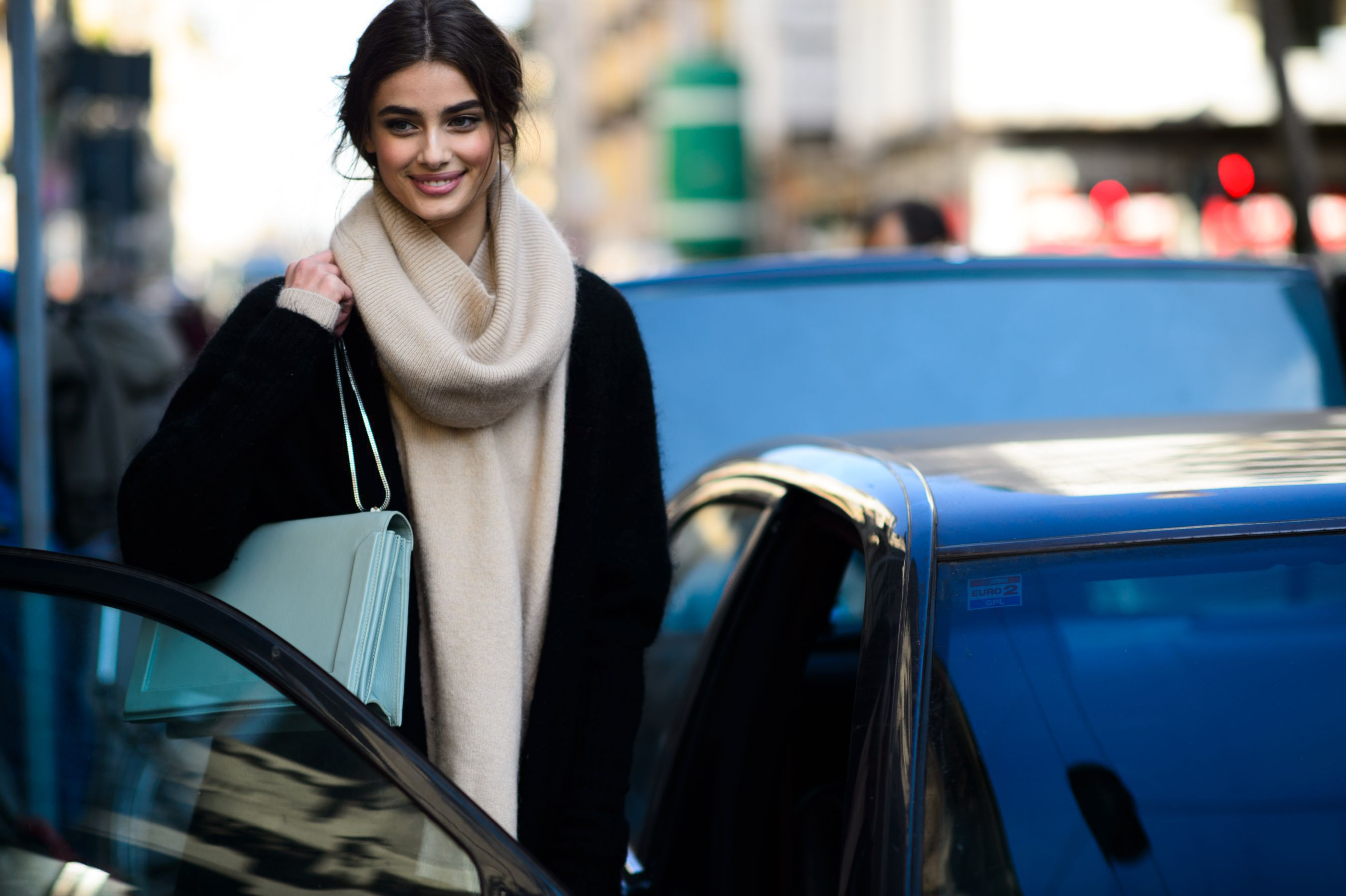 taylor hill smile wallpaper pictures 60478