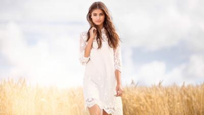 Beautiful Taylor Hill Wallpaper 60477
