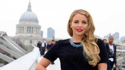 Lydia Bright Makeup Wallpaper Background 60751