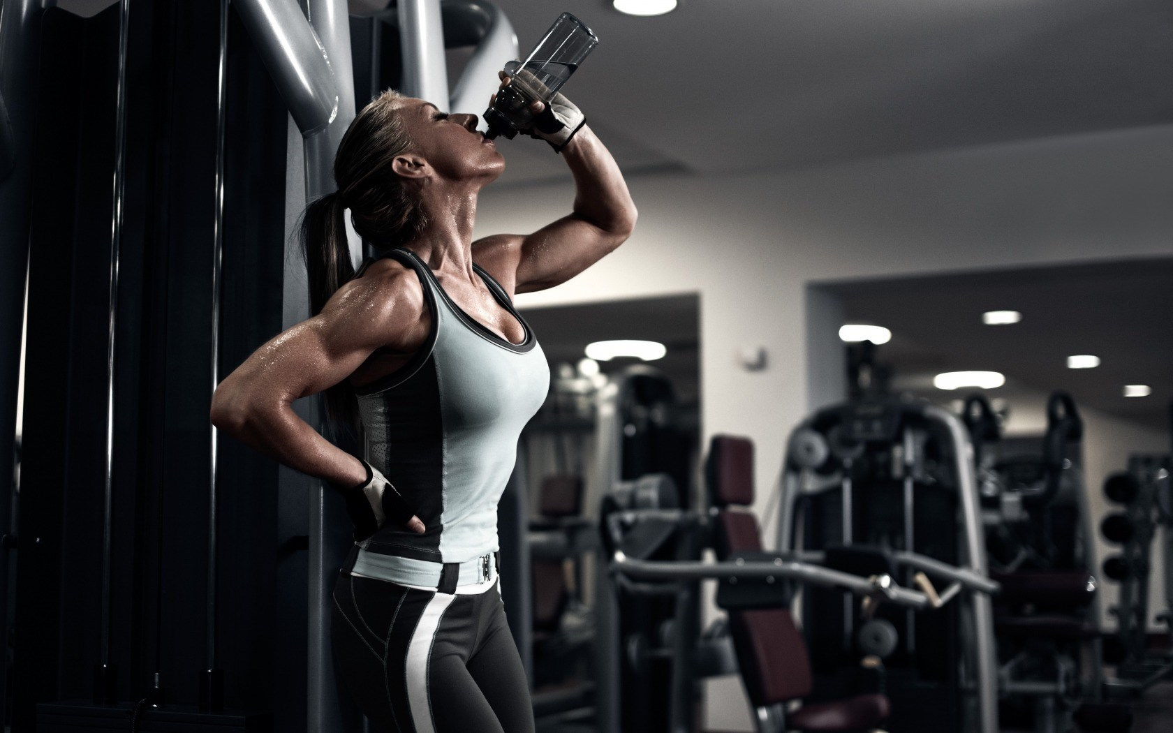 Fitnessstudio wallpaper  Fitness Girl Computer Wallpaper HD 61771 1680x1050 px ...
