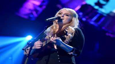 Meghan Trainor Performing Wide Wallpaper 59671