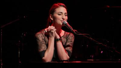 Sara Bareilles Performing Wallpaper 60814