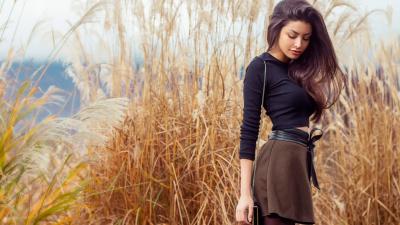 Beautiful Girl Outdoors HD Wallpaper 61366