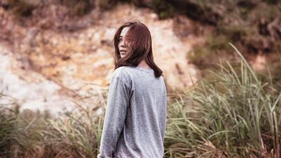 Girl Outdoors Widescreen Wallpaper 61365