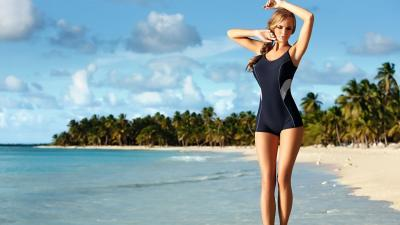 Beach Girl Bathing Suit Wallpaper 61368