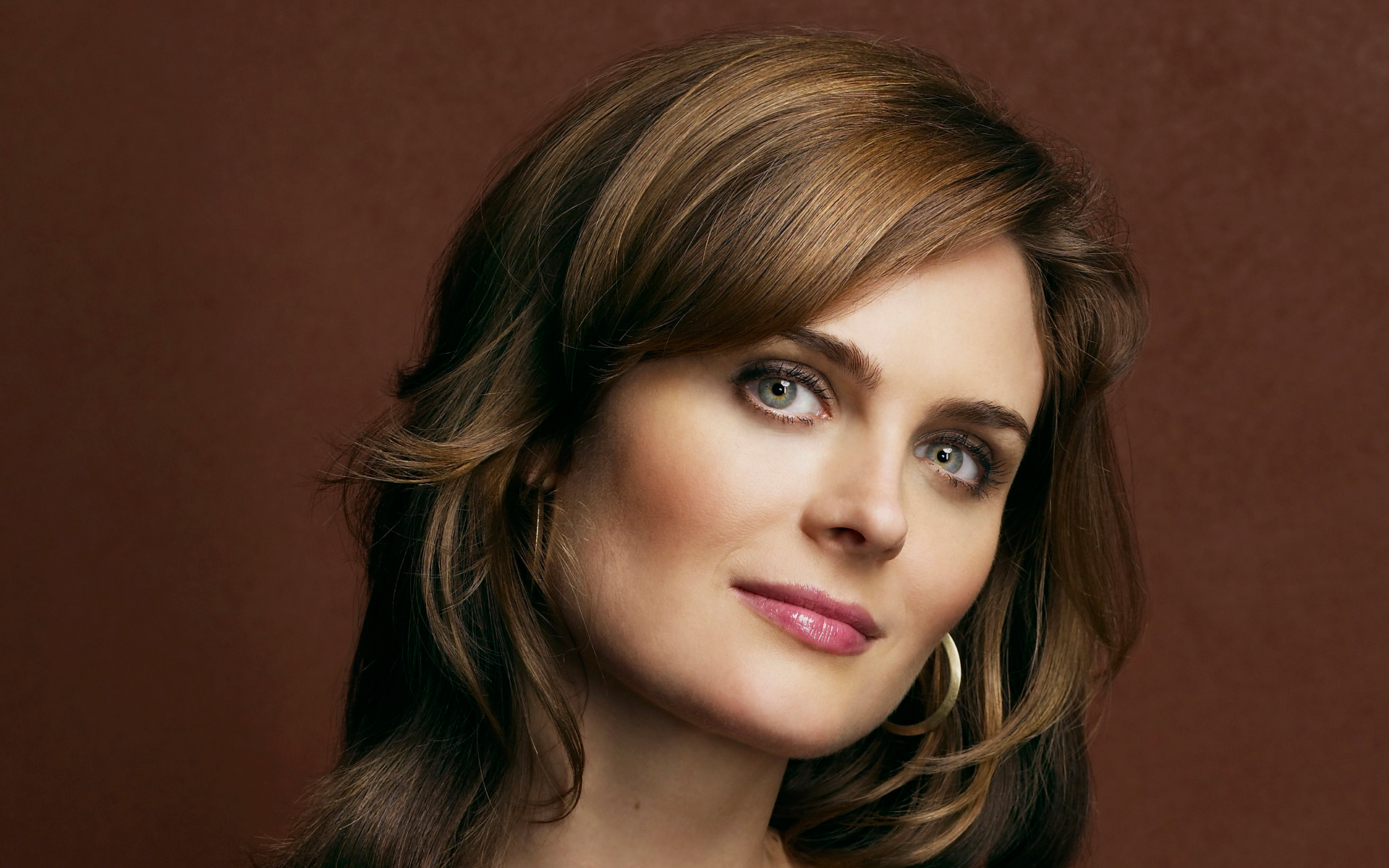 emily deschanel face wallpaper 61119