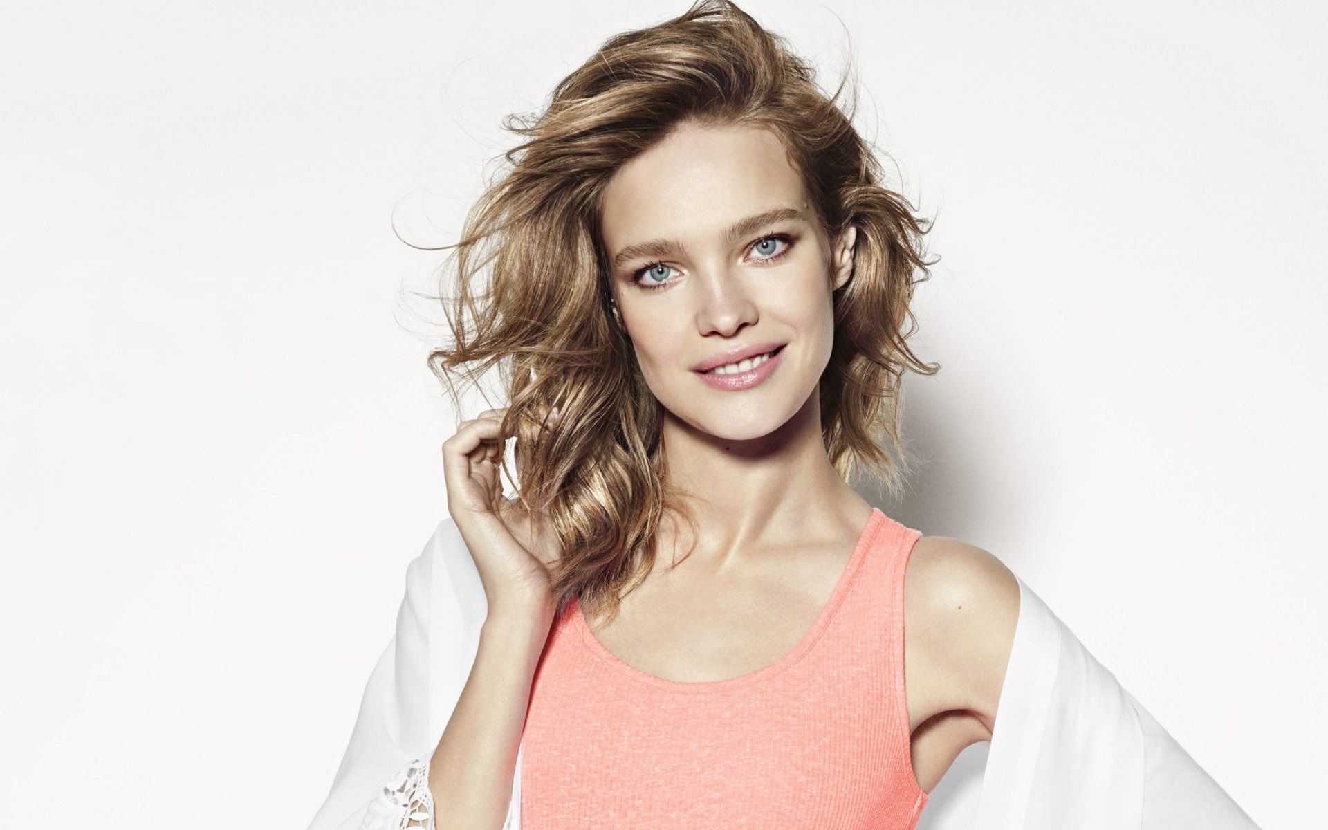 natalia vodianova smile wallpaper 61140