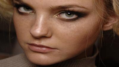 Caroline Trentini Face Wallpaper 60429
