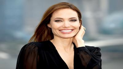 Angelina Jolie Celebrity Smile Wallpaper 64280