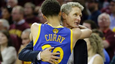 Steve Kerr Hugging Curry Wallpaper 63835