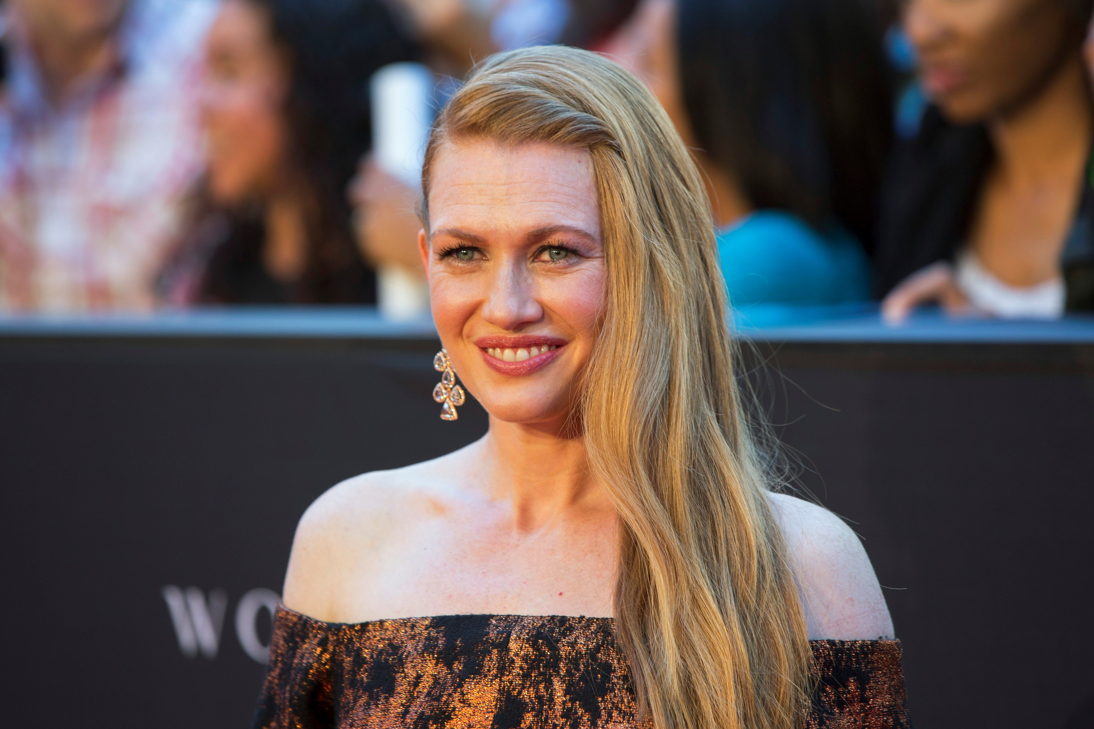mireille enos actress widescreen wallpaper 62918