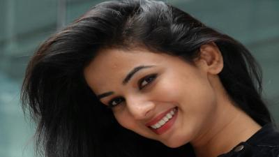 Sonal Chauhan Face Computer Wallpaper 63541