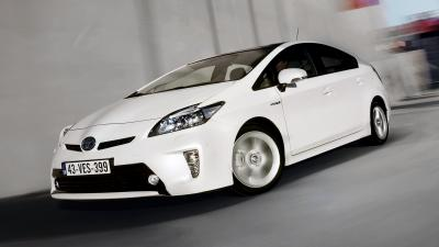 White Toyota Prius Wallpaper 64944
