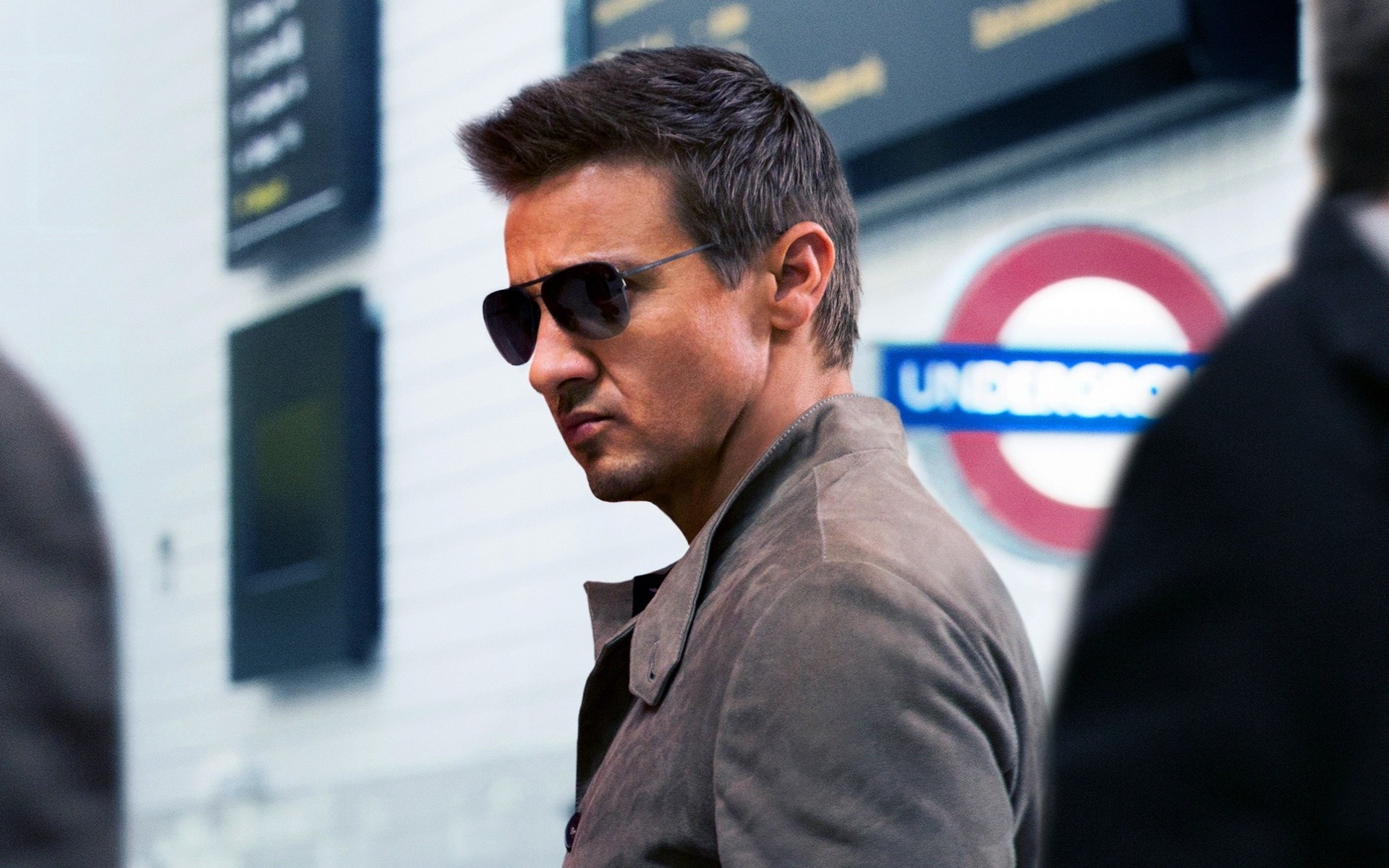 Jeremy Renner Glasses Wallpaper 66260 1920x1200px