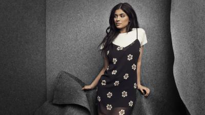 Kylie Jenner Floral Dress Wide Wallpaper 62549