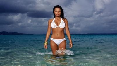White Bikini Desktop Wallpaper 63460