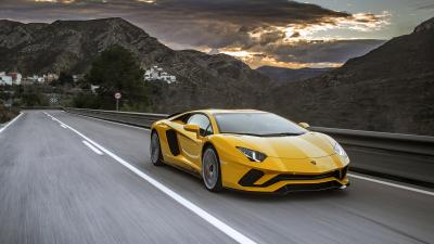 Yellow Lamborghini Aventador Rolling Shot Wallpaper 66265
