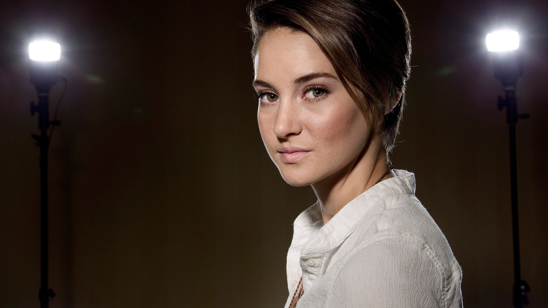 shailene woodley face wallpaper 63138