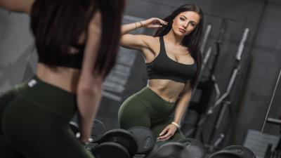 Hot HD Fitness Woman Wallpaper 64772