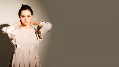 Felicity Jones Desktop Wallpaper 64790